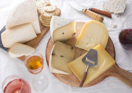 6 lời khuyên về việc kết hợp rượu vang và phô mai