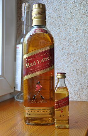 Rượu Red Label - Rượu ông già chống gậy giá bao nhiêu